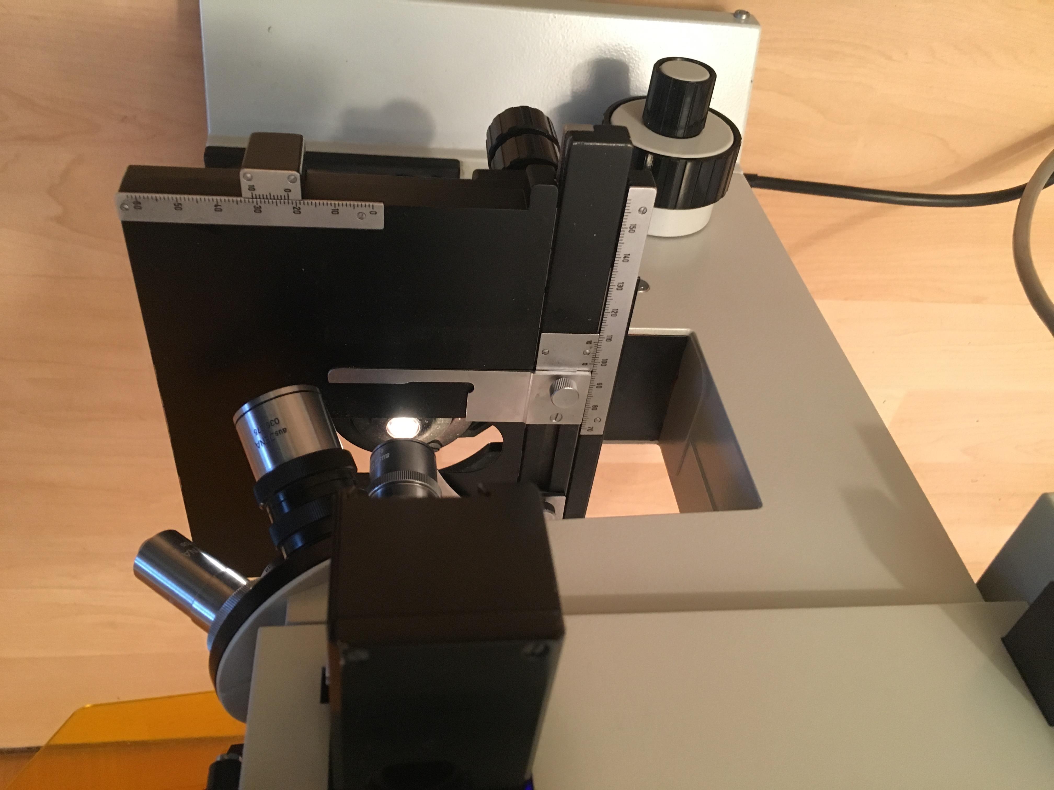 Welches zeiss fluoreszenz mikroskop ist das?